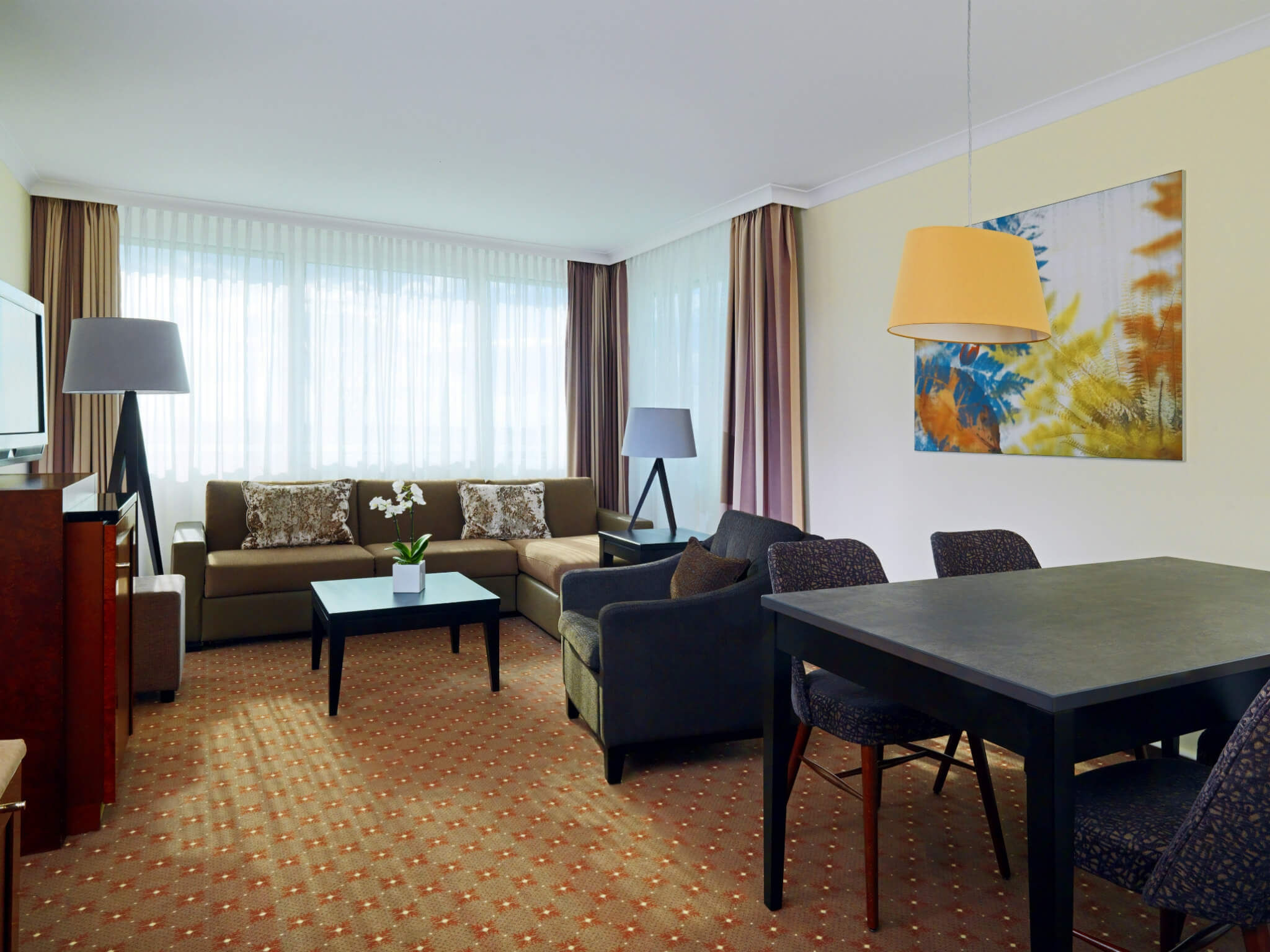 Junior Suite: The Westin Grand München